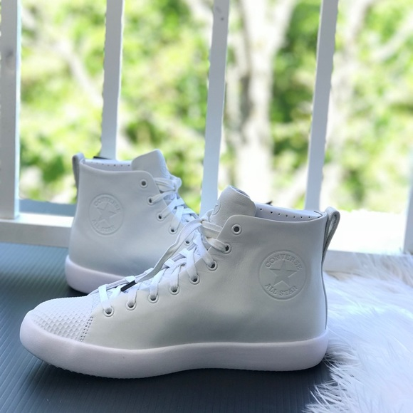 69a4c9367d78 NWT Converse Rare AllStar Modern HI White Angel W